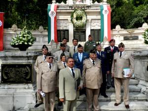 Miembros de la Asociación Mexicana de Veteranos de la II Guerra Mundial A.C. al termino de la Ceremonia.