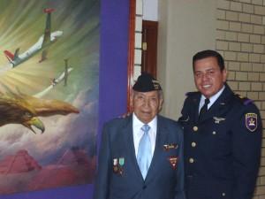 Sgto. 1/o. Fortino González Gudiño y TTe. Javier Cadena Aguirre. Material propiedad de la AMV II GM.A.C.