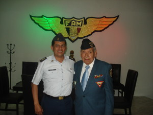 Cap. Ramon Diaz López y Sgto. 1/o. Arm. Ret. Fortino González  Gudiño. Material propiedad de la AMV II GM.A.C.
