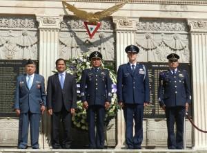 Guardia de Honor de los 5 Pilotos Caidos en cumplimiento de su deber e el Frente del pacifico.