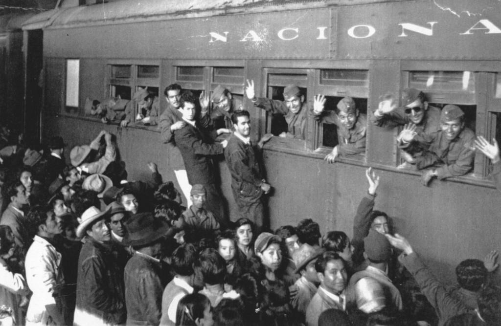 El 24 de julio de 1944, a las 8:35 hrs.,  de la estacion de Buenavista,  partio a los EUA para su entrenamiento el  contingente que conformaba el Grupo de Perfeccionamiento de Aeronautica, mas tarde denominado Escuadrón Aéreo 201 y a partir del 1o. de enero de 1945, FUERZA AERÉA MEXICANA.