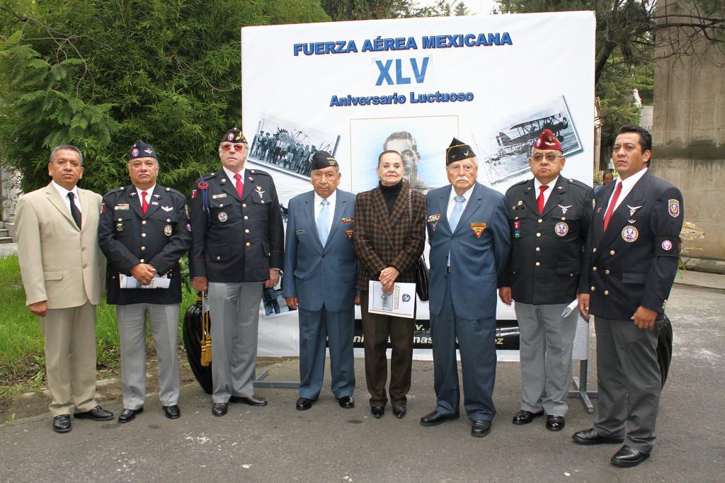 A la Ceremonia asistieron  familiares del Gral. Cárdenas, Veteranos de la FAEM, miembros de la Asociación Mexicana de Veteranos de la II Guerra Mundial A.C. y de la Fraternidad de Paracaidistas Gral. Plutarco Albarran.