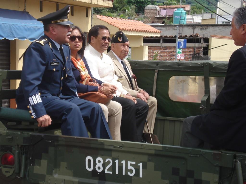 Recorrido de los Veteranos acompañados del Comandante de la BAM 1.