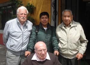 Veteranos en su desayuno mensual de septiembre, acompañados del Sgto. 2/o. Ofic. Juan De Dios Reyes Ramos, comisionado por la FAM  en nuestra Asociación.
