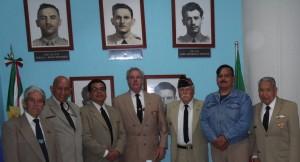 Veteranos y miembros de la Asociación acompañados del Cap. 2/o. F.A.A.M.A. D.E.M.A., Manuel Reyna Garza, Museo Militar de Aviación, BAM 1, Santa Lucia, el pasado 5 de noviembre.