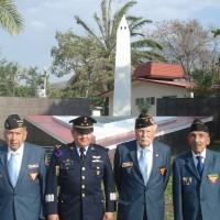"""Veteranos al frente del Obelisco """"CENTENARIO DE LA FUERZA AÉREA MEXICANA"""""""