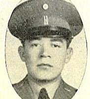 Tte. P.A. Roberto Gómez Moreno. + 26 Septiembre 1945.